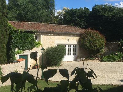 Photo for Lovely cottage set in the heart of Cognac countryside