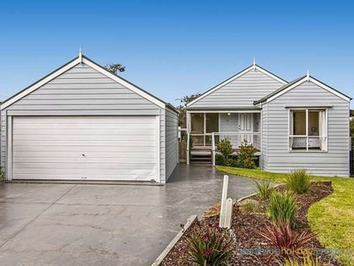 Photo for GDay Beach House - Charming home centrally located in Blairgowrie