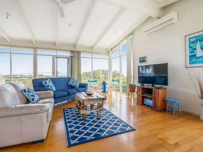 Photo for BIG SORRENTO BAY VIEWS IN PRIME LOCATION TO BAY BEACH