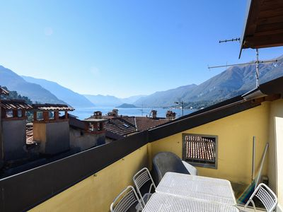 Photo for BELLAVISTA-Cosy, terrace and lake view