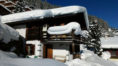Photo for Quaint chalet with tasteful decor. Fantastic view. 500m to the gondola.
