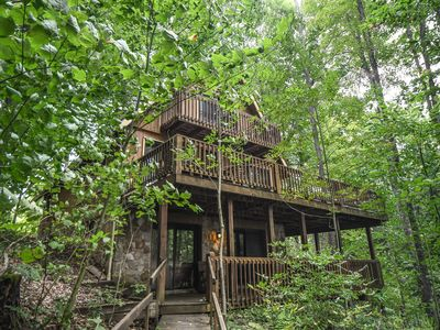 Photo for Classic mountain chalet with private dock in wooded setting!
