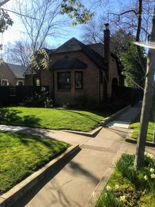 Photo for Charming 2 BR home in East Sacramento
