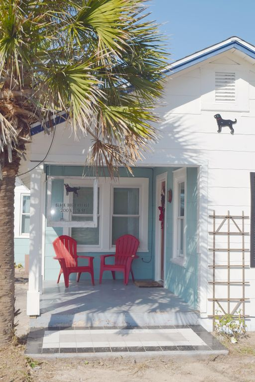 Miraculous New Pool Stroll Lo Beach Old Town From The Black Dog Cottage Port Aransas Home Interior And Landscaping Mentranervesignezvosmurscom