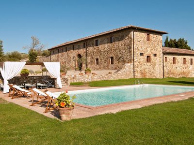 Photo for Beautiful private villa with WIFI, private pool, TV, patio, panoramic view, parking, close to Siena