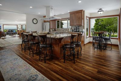 Fantastic chef's kitchen and bar seating for all your culinary desires.
