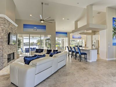 Photo for 'Bikinis & Martinis' - Canalfront Cape Coral Home!