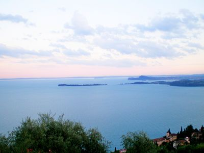 Photo for Two-room apartment with splendid lake view