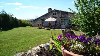 Beautiful Cottage (approx 72 sq m/775 sq ft), Sunny Private Garden & Terrace.