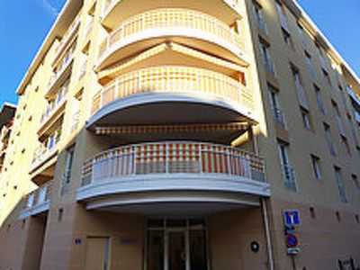 Photo for Apartment Résidence L'Amiral in Saint-Raphaël - 6 persons, 2 bedrooms