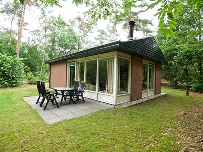 Photo for 4-person bungalow in the holiday park Landal Miggelenberg - in the woods/woodland setting