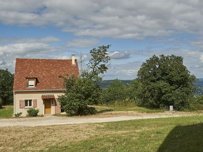 Photo for Villa on holiday park in the Dordogne with swimming pool and WiFi