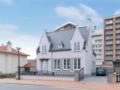Photo for Villa 10 pers - Westende - 4 bedrooms - 2 baths - 40 m from the beach !!!