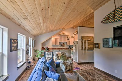 Pack your bags and head to this Palmer Lake vacation rental apartment!