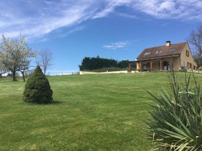 Photo for Gite Loupiac (Lot), 3 bedrooms, 7 persons