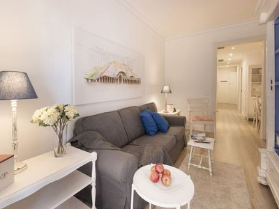 Photo for Gaudi 24 apartment in Gràcia with WiFi, air conditioning, balcony & lift.