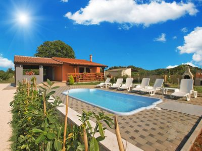 Photo for Holiday house Pula for 4 - 6 persons with 2 bedrooms - Detached holiday house