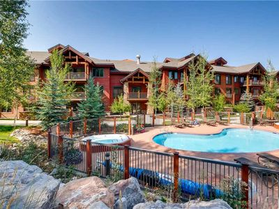 Photo for Spacious 4 Bedroom Condo w/Private Courtyard & Hot Tub, Great Summer Getaway