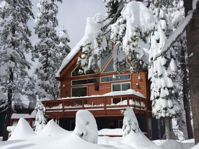 Photo for 'Snowflake Chalet' Bright, beautiful, spacious mountain retreat in Serene Lakes