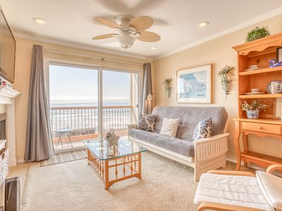 Second-Floor Oceanview Condo Includes Pool, Hot Tub and Beach Access!