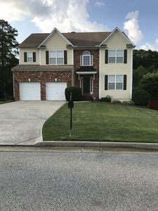 15 Minutes from Downtown/ 10 From Airport! Gorgeous Home in Atlanta- Sleeps 12