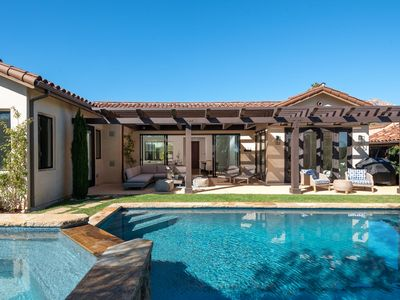 Photo for 🌴 Stunning designer home, pool, centrally located makes for a perfect retreat