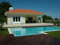 Beautiful place and house, very calm and very nice owners, prepared to assist anytime