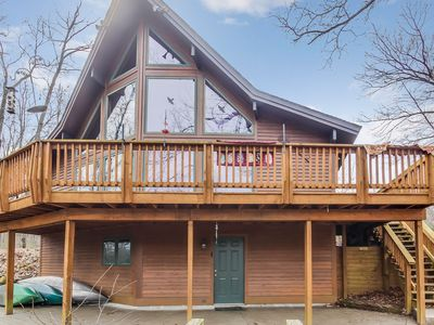 STAY FOR THE WEEKEND! Creekside cabin nestled in secluded 30 acre wooded setting
