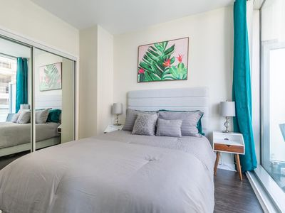 Photo for SimplyComfort. Green Modern 1bd in Downtown. 40 Fl