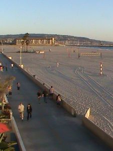 Hermosa's Fabulous BEACHFRONT - ON 'THE STRAND' ($195-$525 equivalent daily)