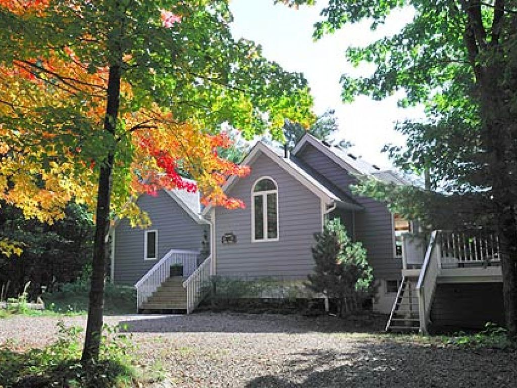 Ocr Timber Lookout Cottage F269 Muskoka River