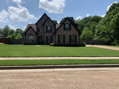 Photo for Beautiful county luxury brick home 15mins from midtown and downtown Memphis.