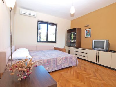 Photo for Holiday apartment Vinkuran for 2 - 5 persons with 1 bedroom - Holiday apartment