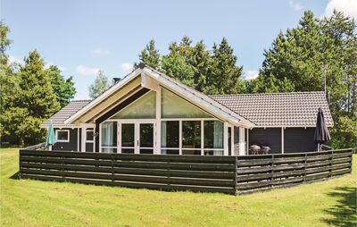 4 bedroom accommodation in Hals
