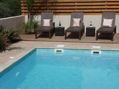 Luxury Villa with Heated Pool. Walk to Beaches and Grecian Park Hotel. Wi-Fi.