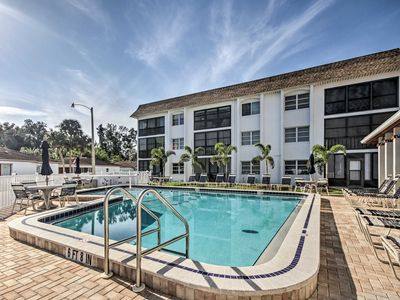Photo for Renovated Siesta Key Condo - 5-Min Walk to Beach!