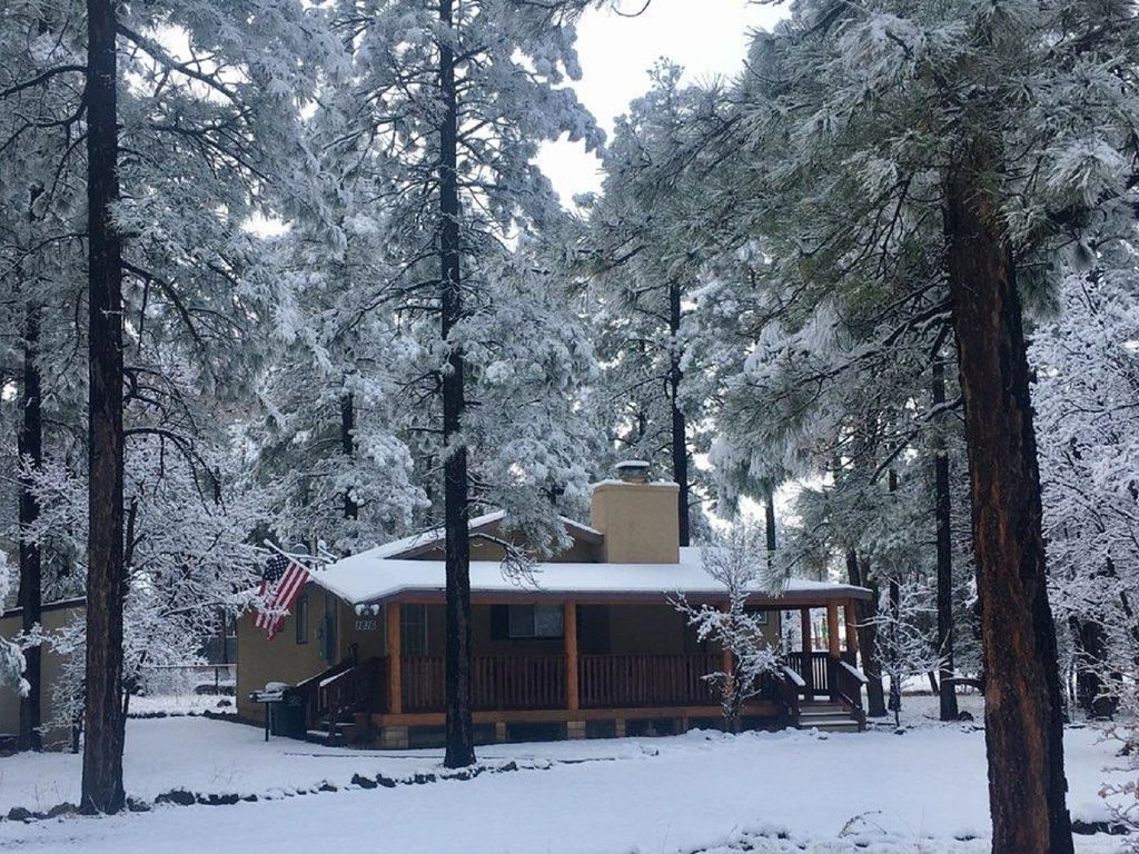 family lakeside casino rental in image vacation poi pinetop az cabin cabins rentals gallery