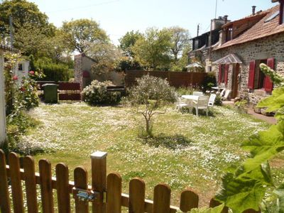 Photo for Pretty longère with enclosed garden, 3 *.  Ajoncs d'Or beaches and golf nearby.