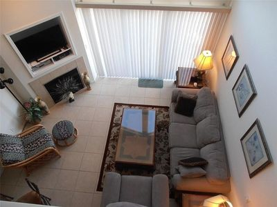 Photo for 4 bed / 3 bath Lakeview Condo