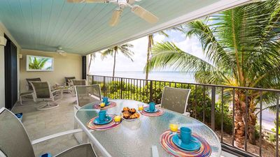 Photo for Oceanfront Condo / Pools + LAST KEY SERVICES...