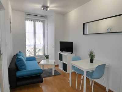 Photo for T2 4 people 2 minutes from the train station and the Quai Saone in the city center