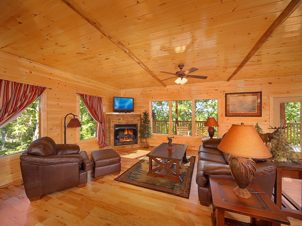 5 Bedroom Gatlinburg Cabin Rental with Home Theater Room, Pittman ...