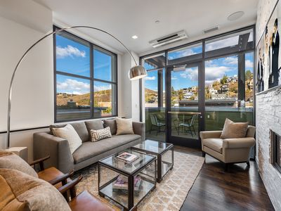 Photo for Parkite on Main | Located on Historic Main Street | Private Hot Tub | Concierge
