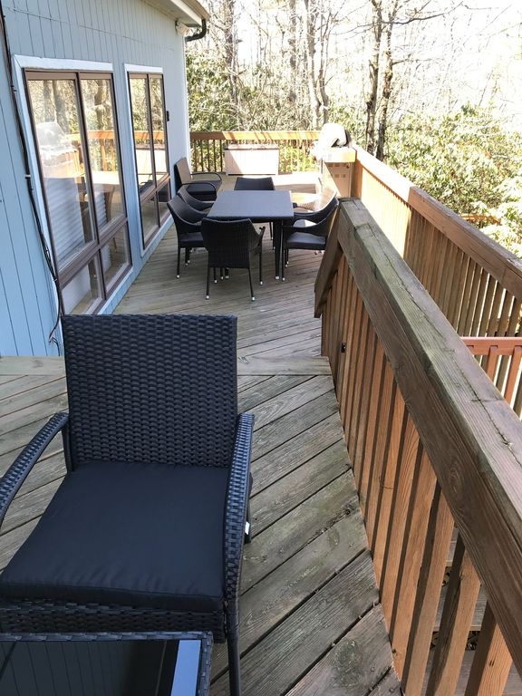 Water Front Pocono Ski and Lake House with Jaccuzi