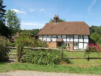Photo for Twyford Farm Cottage - Horsted Keynes, East Sussex