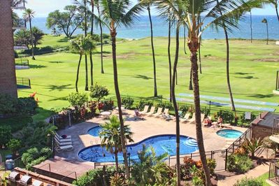 Welcome to Paradise! Spectacular ocean and pool view directly from our lanai!