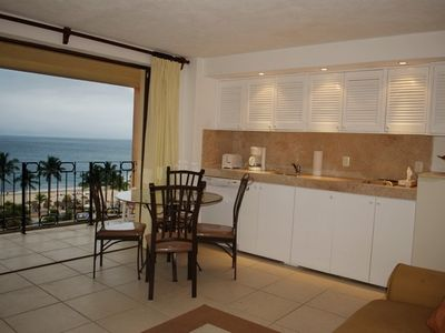 Luxurious Ocean-Front 1 Bedroom Condo in Puerto Vallarta's hotel zone-6th floor