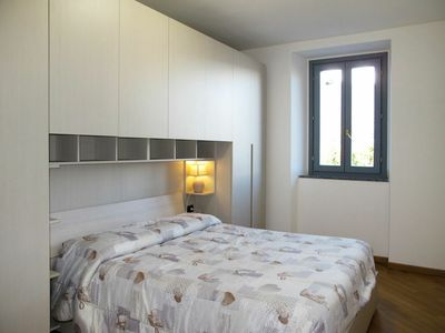 Photo for Cosy apartment for 6 people with A/C, WIFI, TV and balcony