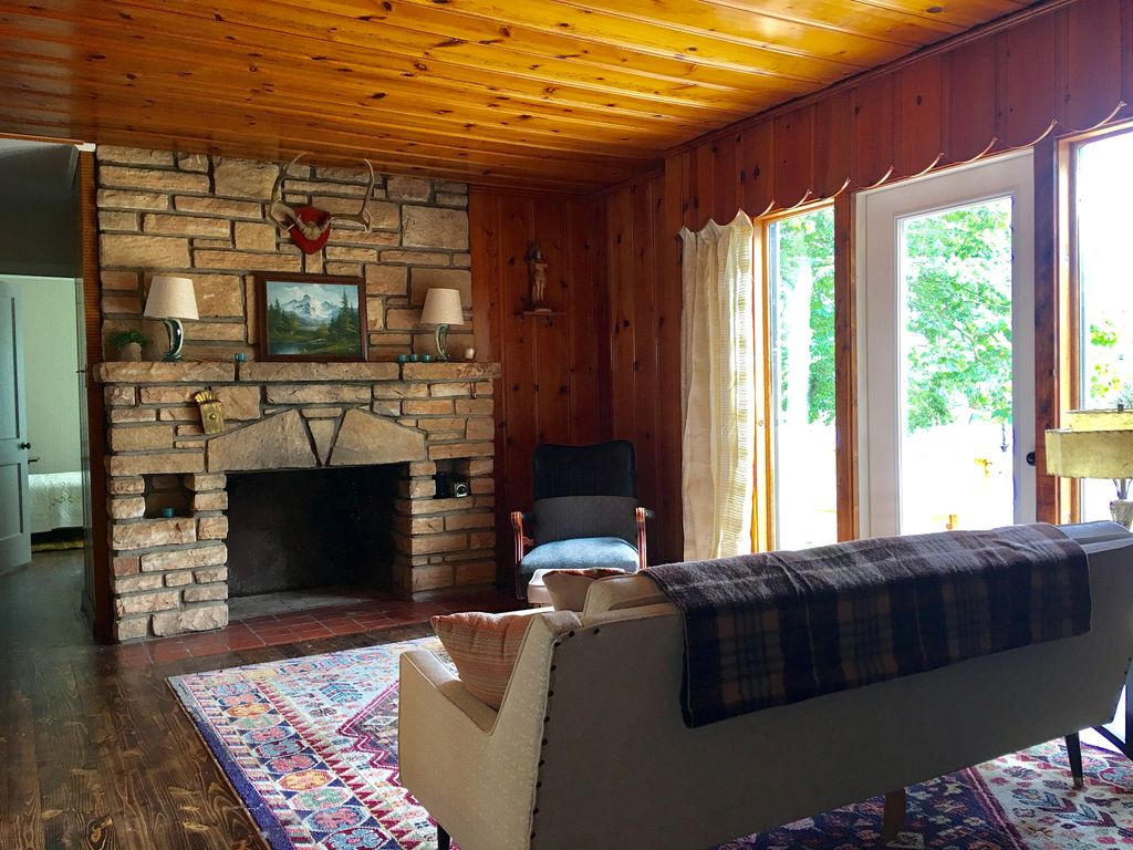 Lake Haven--Updated Mid Century Cabin Only ... - VRBO
