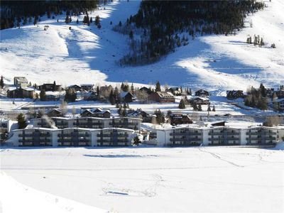 Photo for Dillon Ski Condo- Outdoor Complex Hot Tub. Near Dining, Supermarket, Shops. Easy Drive to Resorts